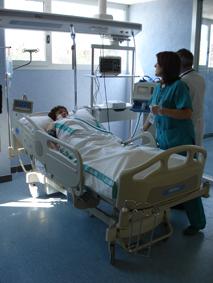 paciente-encamada-hospital-mc